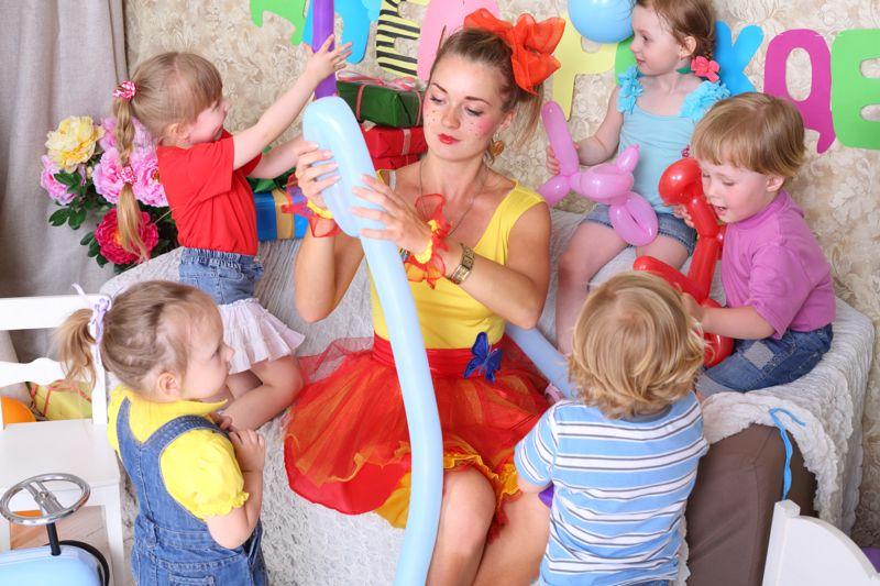 Ein Kindergeburtstag mit dem Motto Jahrmarkt -Kindergeburtstag.org